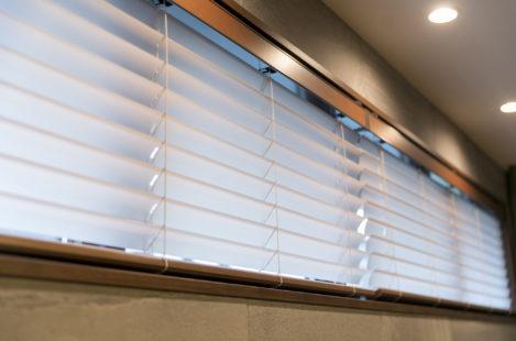 ブラインドを透明素材に変更し、光を取り入れることができるように|みよし市にある【ふとんの青木】東郷町・日進市 ・豊田市からも